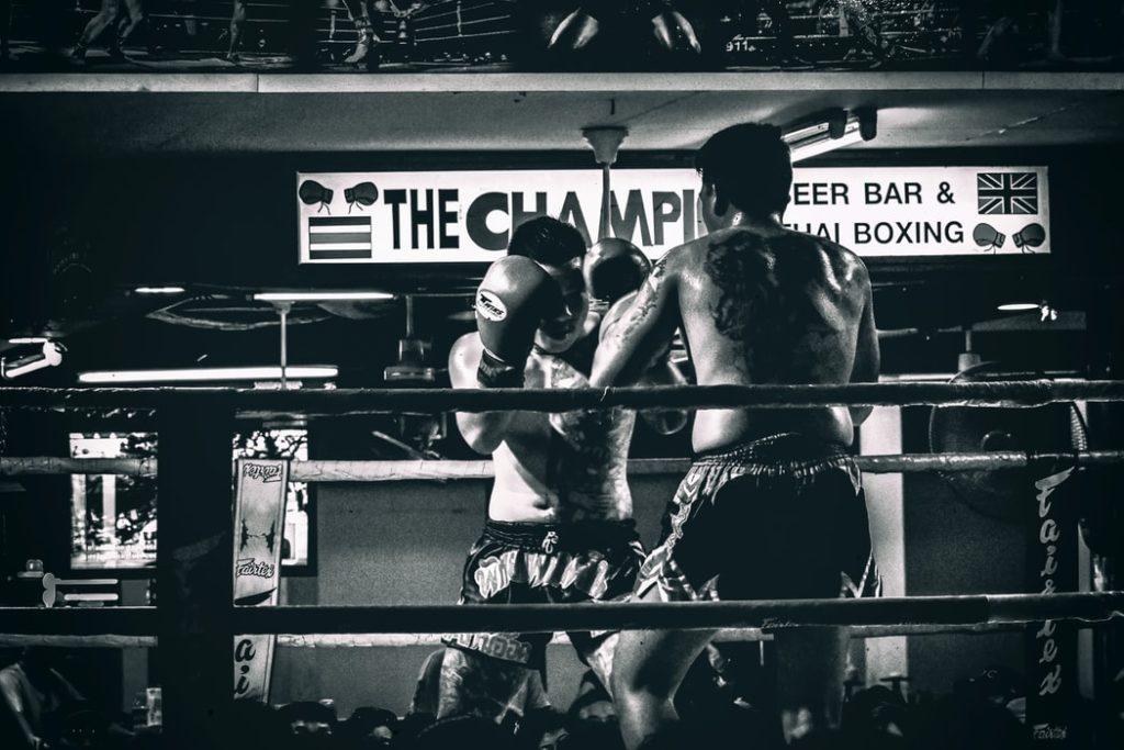 ボクシングをする選手たち