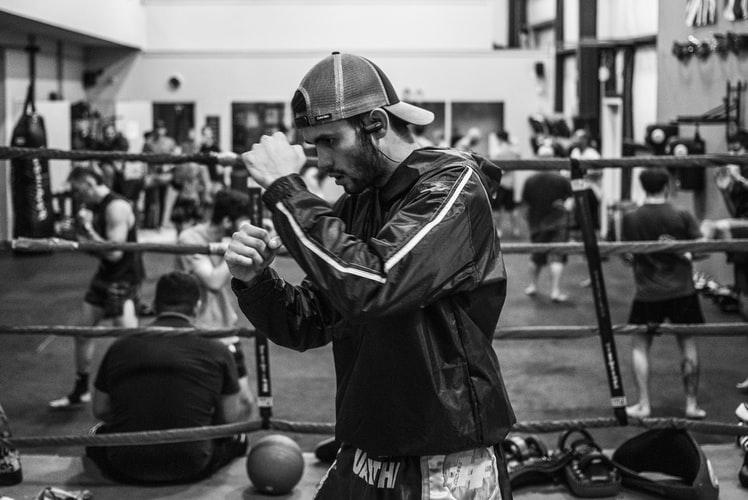 練習中のボクサー